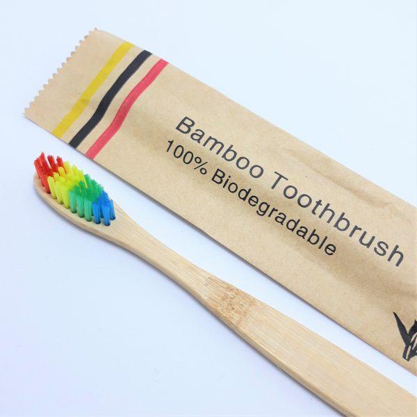creatucosmetica-cepillo-dientes-bambu-ecologico-arcoiris